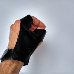 Kézvédő y kesztyű